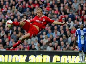 Dirk-Kuyt-Liverpool-Wigan-Athletic-Premier-League