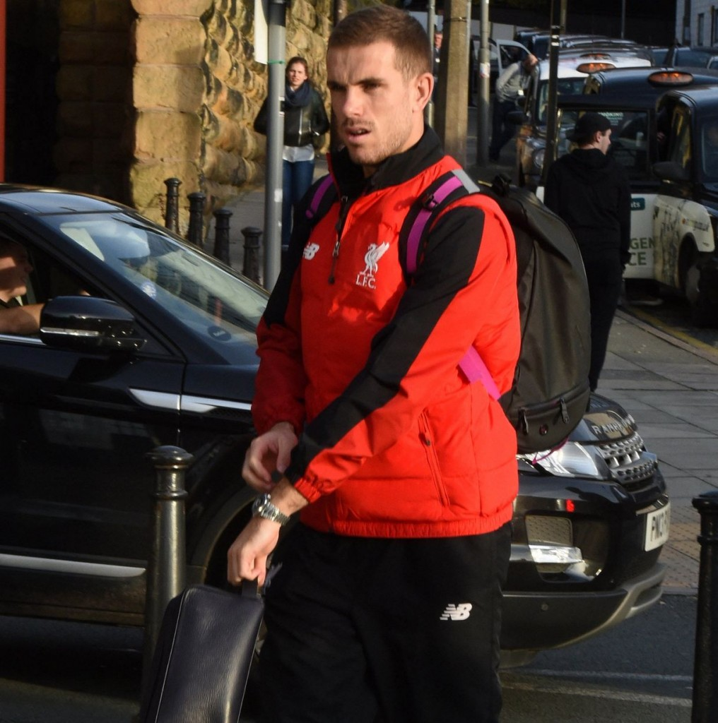 Liverpool-get-the-train-a-they-head-for-London-before-the-Chelsea-match