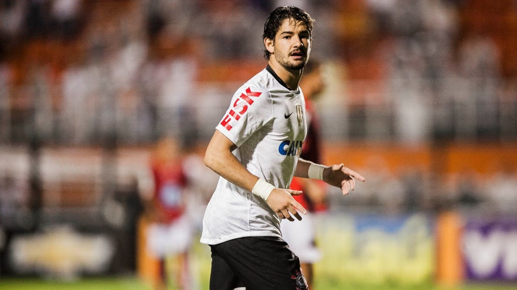 _Corinthians_Alexandre_Pato_on_the_football_field_050219_