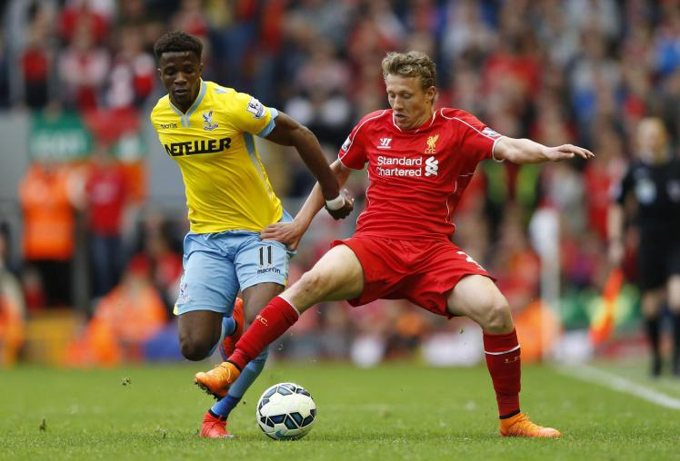 football-liverpools-lucas-leiva-in-action-with-crystal-palaces-wilfried-zaha1