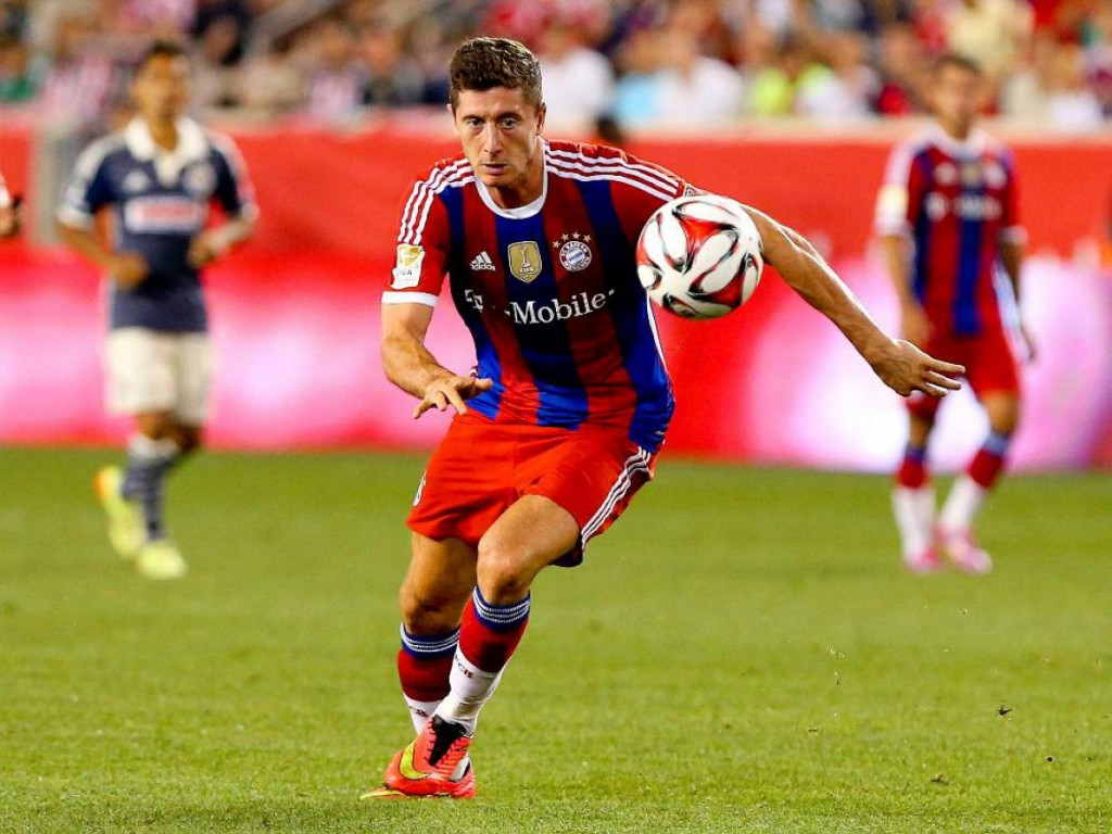 robert_lewandowski_sprint_pictures