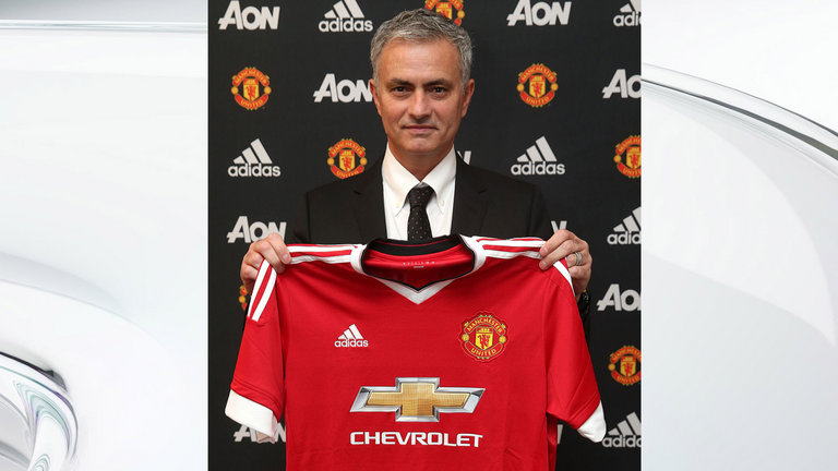 jose-mourinho-manchester-united-shirt-press-media-contract-deal_3473781
