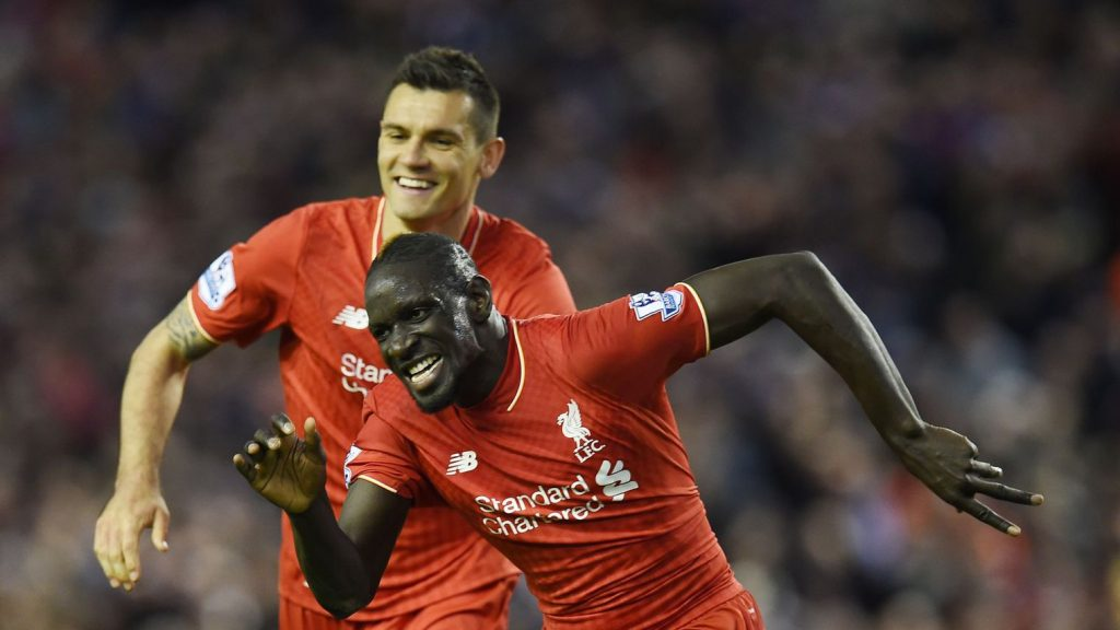 le-defenseur-de-liverpool-mamadou-sakho-d-en-liesse-apres-avoir-inscrit-un-but-face-a-everton-le-20-avril-a-anfield_5586259