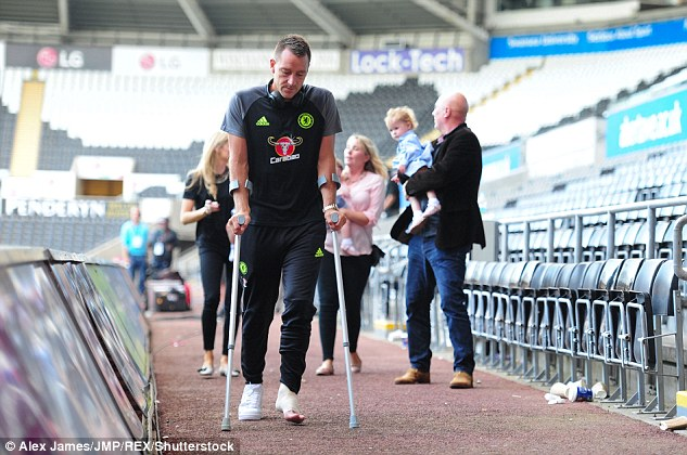 383643e700000578-3786128-john_terry_of_chelsea_leaves_the_liberty_stadium_on_crutches_fol-a-3_1473719223399