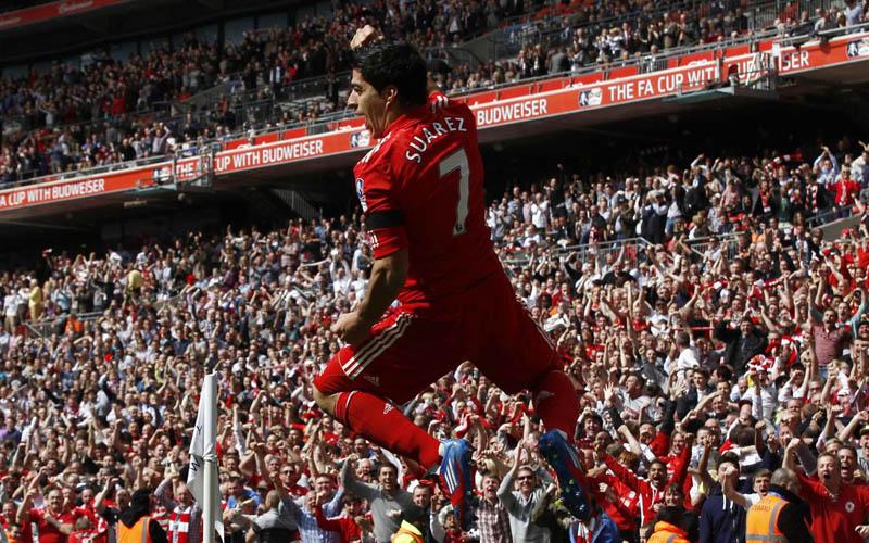 luis-suarez-anfield-goal-celebration-premier-league-title-2014-best-top-scorer-goal-striker-uruguay